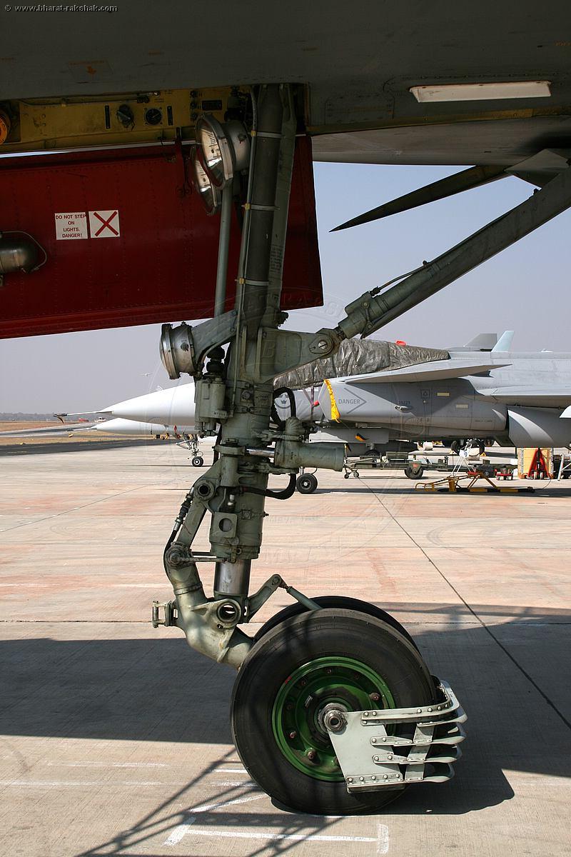 الهند و su-30 Su-30MKI_HAL_factory
